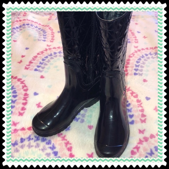 lucky top Other - Lucky Top GUC beautiful girls boots 👢 size 1